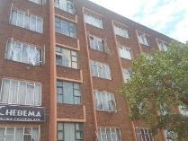 Flat-Apartment in for sale in Sunnyside, Pretoria