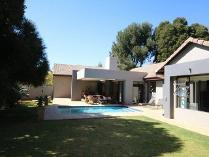 House in for sale in Bedfordview, Germiston