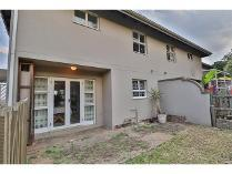 Duplex in to rent in Kloof, Ethekwini