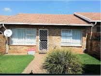 Flat-Apartment in to rent in Quellerie Park, Krugersdorp