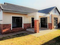 Cluster in to rent in Meyersdal, Alberton