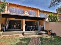 Townhouse in for sale in Bedfordview, Germiston