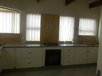 Flat-Apartment in to rent in Waterkloof, Pretoria