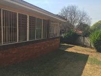 House in to rent in Cyrildene, Johannesburg