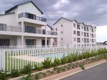 Flat-Apartment in for sale in Carlswald Ah, Midrand