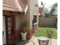 House in for sale in Faerie Glen, Pretoria