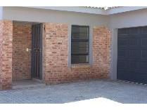 Townhouse in for sale in Balilie Park, Potchefstroom