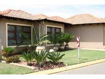 House in to rent in Pecanwood Estate, Hartebeespoort