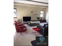 Flat-Apartment in to rent in Melrose, Johannesburg