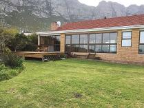 House in for sale in
