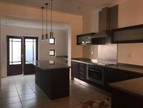 House in to rent in Norwood, Johannesburg