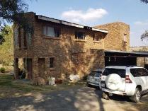 House in for sale in Chartwell, Chartwell