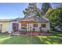 Townhouse in for sale in Lone Hill, Sandton