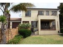 Duplex in to rent in Amorosa, Roodepoort