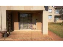 Flat-Apartment in for sale in Roodepoort, Roodepoort