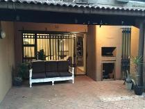 Duplex in to rent in Parktown, Johannesburg