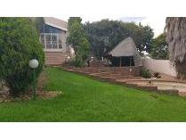 Cluster in to rent in Wilro Park, Roodepoort