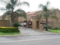 Duplex in to rent in Pretoriuspark, Pretoria