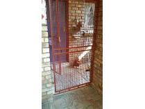 Flat-Apartment in to rent in Moregloed, Pretoria