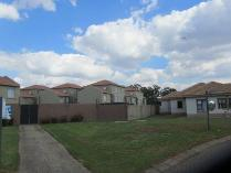 Flat-Apartment in for sale in Van Der Hoff Park Sp, Potchefstroom