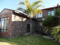 Townhouse in for sale in Wavecrest, Jeffrey's Bay