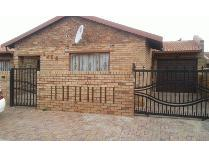 House in to rent in Diepkloof Sp, Soweto