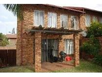 Duplex in to rent in Moreleta Park, Pretoria