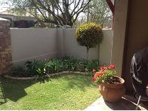 Townhouse in to rent in Kempton Park, Kempton Park