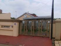 House in to rent in Vosloorus, Vosloorus