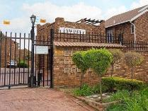 Townhouse in for sale in Moreleta Park, Pretoria