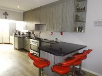 Townhouse in for sale in Beacon Bay, East London