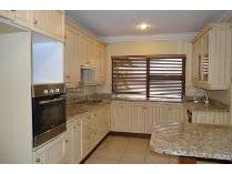 House in to rent in Dainfern Golf Estate, Dainfern
