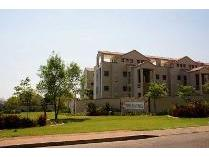 Flat-Apartment in to rent in Paulshof, Sandton