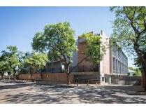 Flat-Apartment in to rent in Hatfield, Pretoria