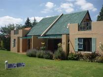 Townhouse in for sale in Weltevredenpark, Roodepoort