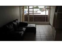 Flat-Apartment in to rent in Florida, Roodepoort