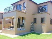 Cluster in for sale in Kyalami Hills, Midrand