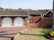 Townhouse in for sale in Umtentweni, Port Shepstone