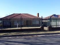 House in for sale in Rustivia, Germiston