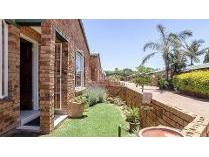 Townhouse in for sale in Roodepoort, Roodepoort