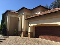 Cluster in for sale in Johannesburg, Johannesburg