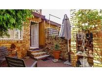 Townhouse in for sale in Croydon, Kempton Park