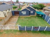 House in for sale in Lenasia South, Lenasia South