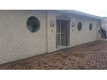 Flat-Apartment in to rent in Bluff, Durban