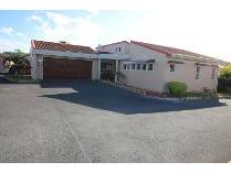 Townhouse in for sale in Uvongo, Margate