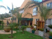 Duplex in to rent in Eden Glen, Edenvale