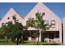 Duplex in to rent in La Colline, Stellenbosch