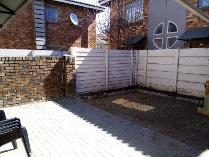 Duplex in to rent in Edleen, Kempton Park