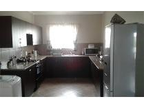 Flat-Apartment in to rent in Mpumalanga, Emalahleni