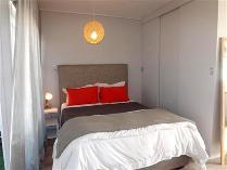 Flat-Apartment in to rent in Green Point, Cape Town